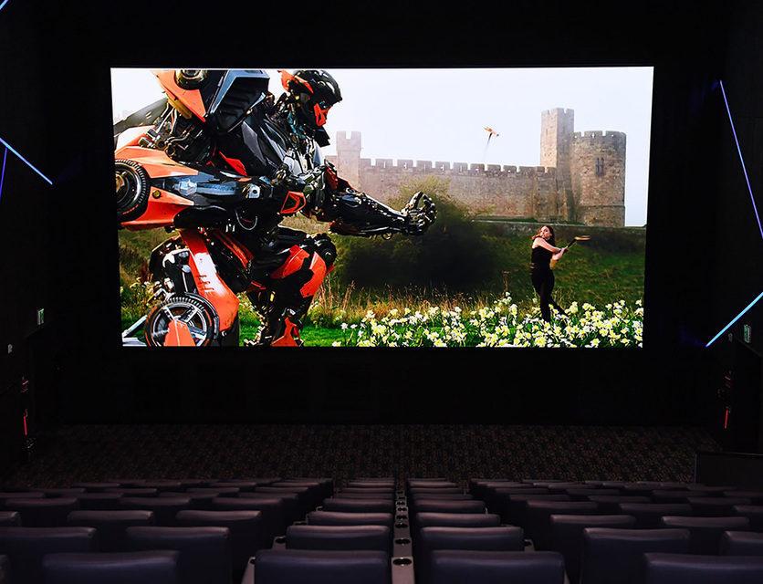 Samsung установила первый в мире LED-дисплей для кинотеатров