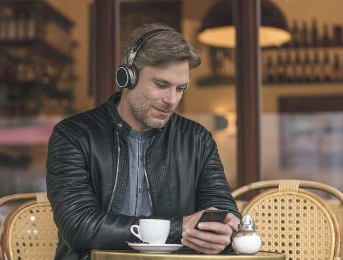 Беспроводные наушники Beyerdynamic Aventho автоматически настроят звук под слушателя