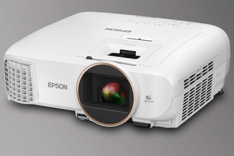 Epson пополнила серию проекторов Home Cinema пятью 3LCD-моделями: 2100, 2150, 660, 760HD и 1060