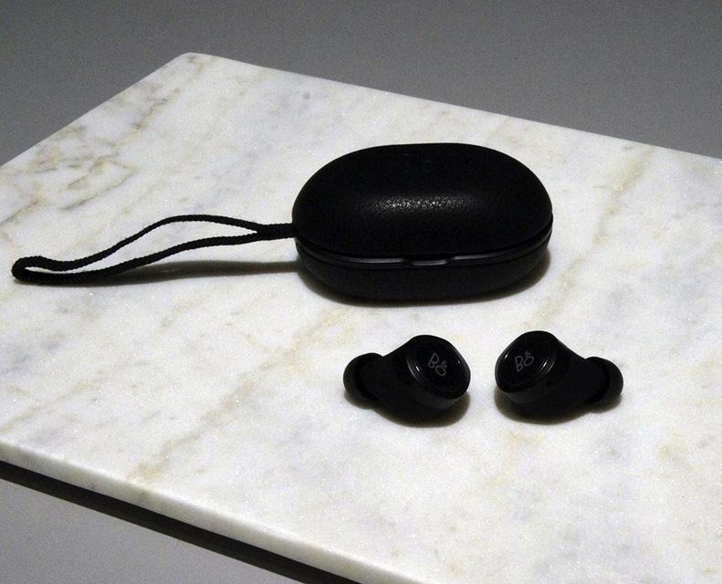 Bang & Olufsen выпустила беспроводные затычки B&O Play E8