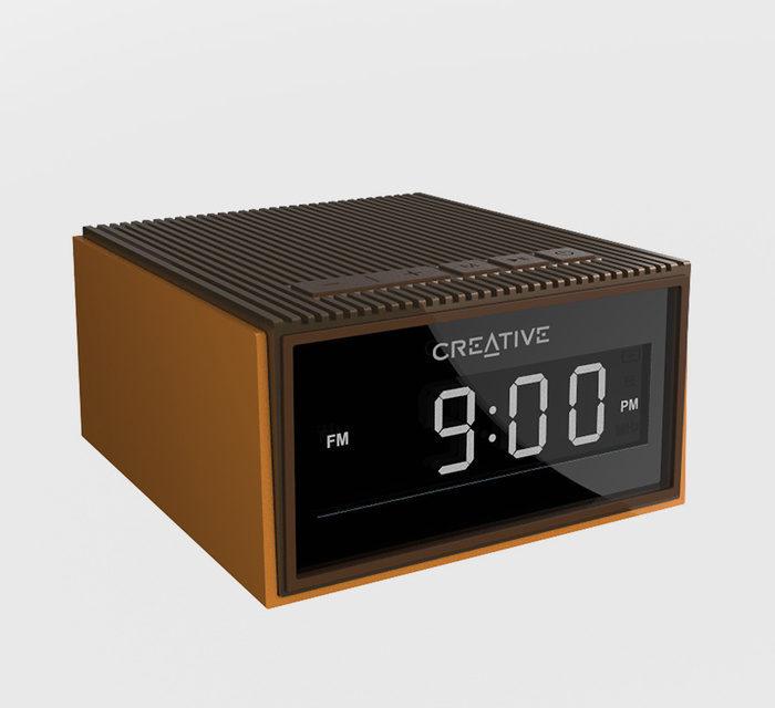Creative Chrono: беспроводная колонка-будильник родом из 80-х