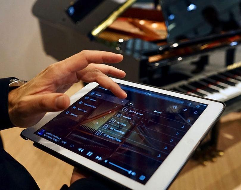 Электрические фортепиано Yamaha Clavinova распознают голосовые команды через Amazon Alexa