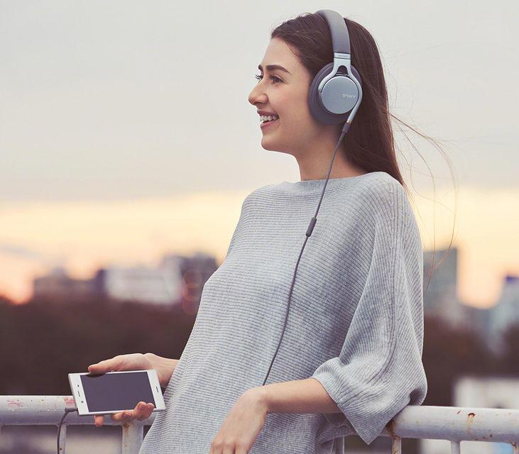 Sony анонсировала заточенные под Hi-Res Audio наушники MDR-1AM2
