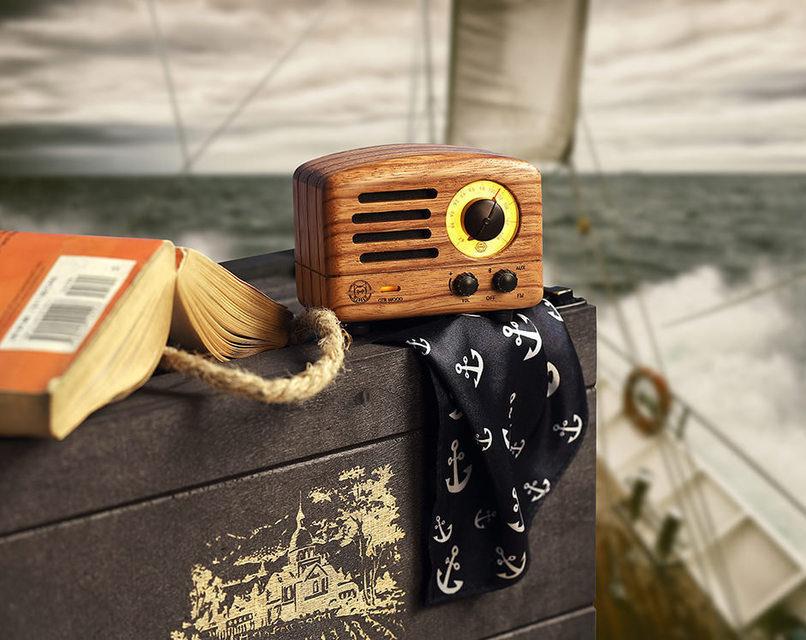 Muzen OTR Wood: деревянное Bluetooth-радио в ретро-стиле