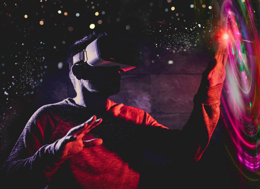 Вице-президент 20th Century Fox рассказал о будущем кинематографа: VR, AI и адаптивный контент