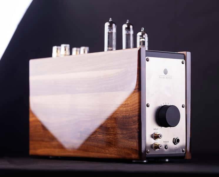Felix Audio показала прототип настольного лампового усилителя