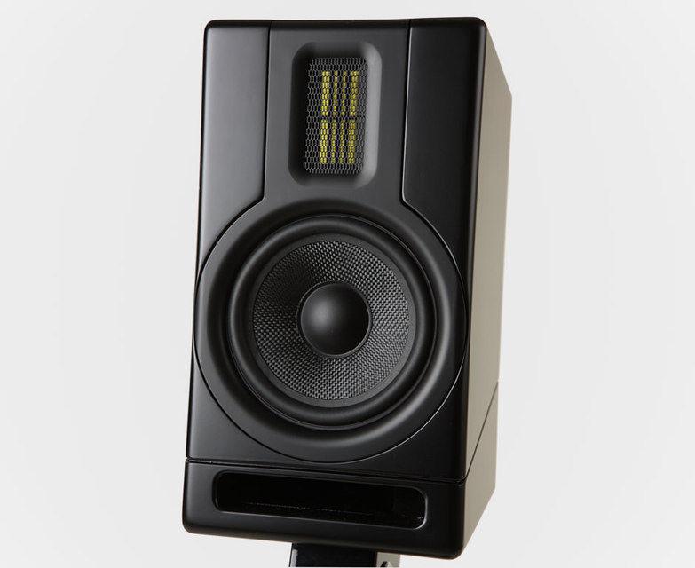 Scansonic представила компактную мониторную акустику MK-5