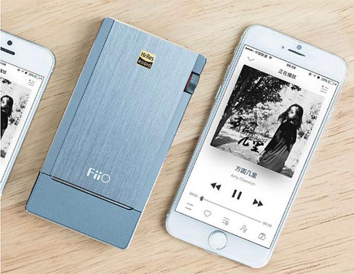 Портативный ЦАП/усилитель FiiO Q5: на чипе AK4490, играет DSD, есть Bluetooth aptX