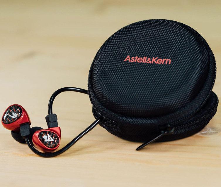 Astell&Kern показала внутриканальные мониторы Billie Jean