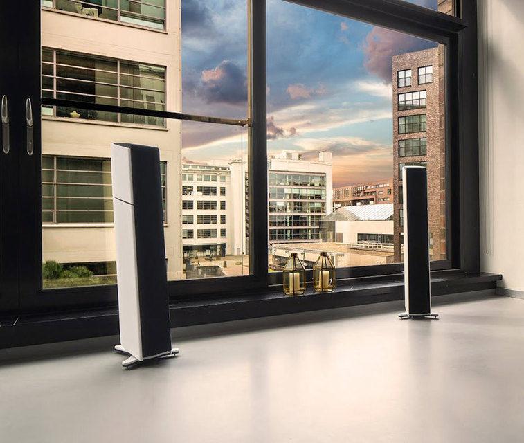 Aequo Audio Stilla: тонкие башни с активной низкочастотной секцией