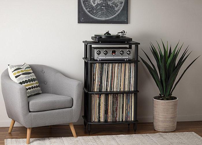 Pangea Audio выпустила стойку для LP-проигрывателей Vulcan TTx2 с двумя большими полками под пластинки
