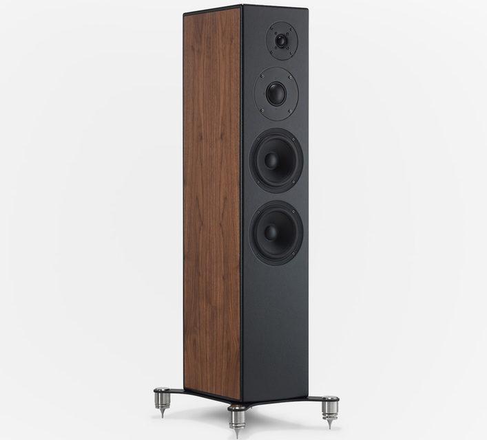 Колонки Studio 10, Studio 20 и Studio 30 серии Ram от Falcon Acoustics получили сменные боковые панели и кожаную отделку фасада