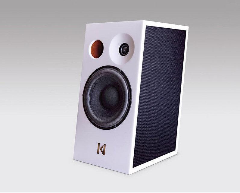 Kroma Audio Mimi: оригинальные полочники с наклоном и смещенным твитером