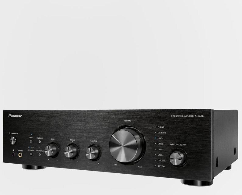 Интегрированный усилитель Pioneer A-40AE: пять регулируемых аналоговых входов, два цифровых и фонокорректор