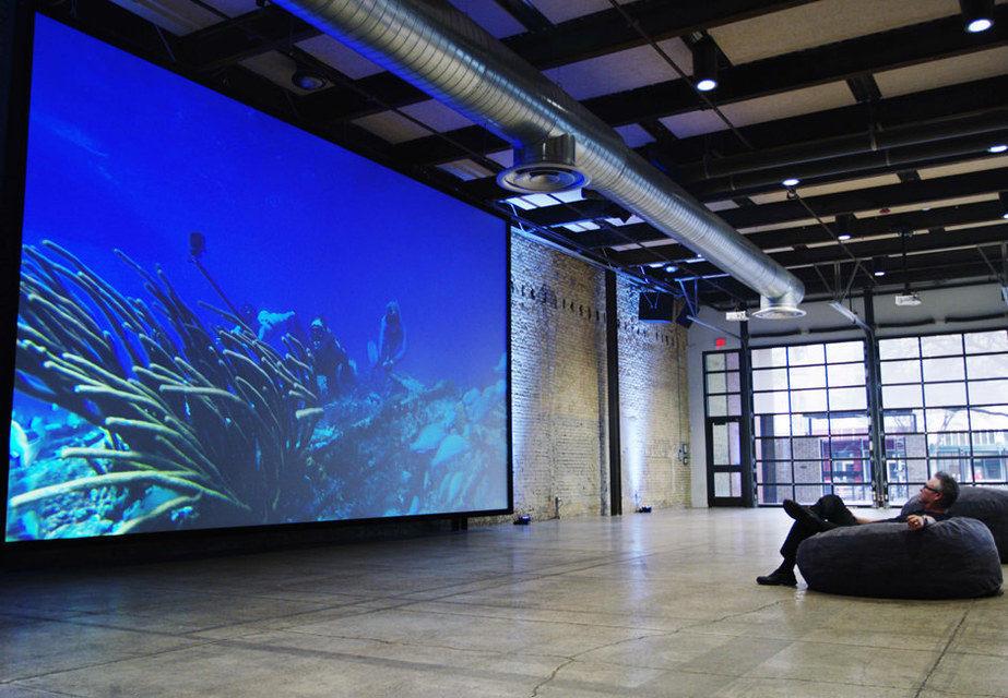 Screen Innovations Slate XL: проекционный ALR-экран диагональю 9,5 метров