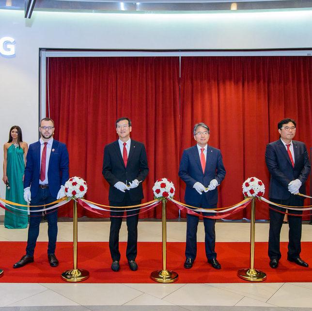 LG Electronics открыла в Москве первый премиальный магазин собственной техники