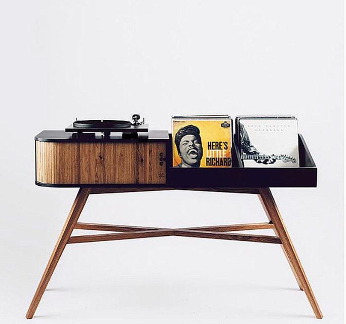 HRDL выпустила стол для проигрывателей винила Vinyl Table
