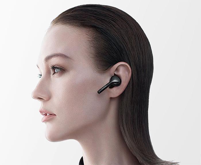 Huawei представила полностью беспроводные затычки FreeBuds