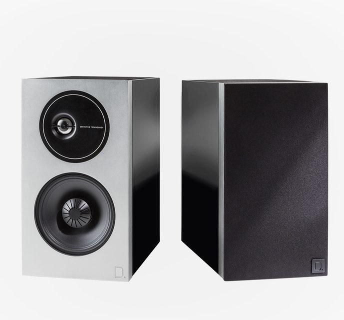 Полочники Definitive Technology Demand D9 получили пассивный басовый радиатор на верхней панели