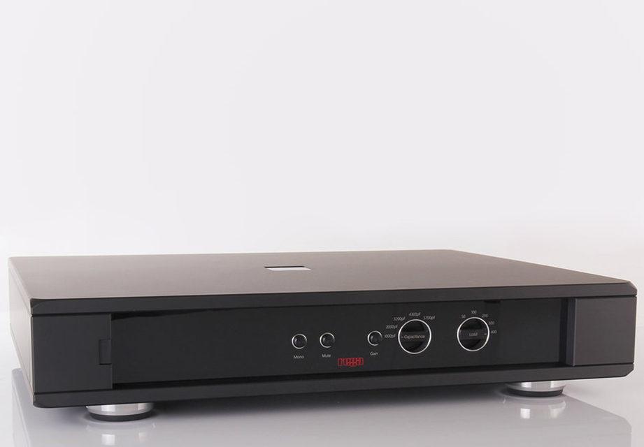 Rega выпустила фонокорректор Aura Reference MC