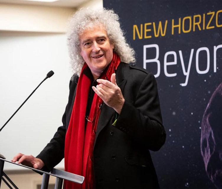 Брайан Мэй написал песню в честь завершения миссии зонда New Horizons