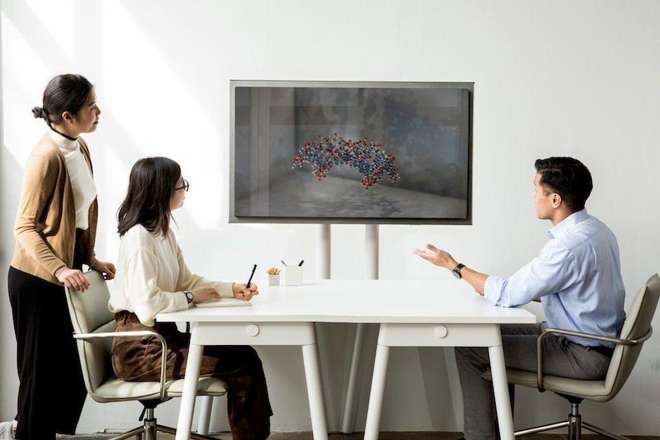 Looking Glass показала иммерсивный дисплей для просмотра объемных изображений без очков