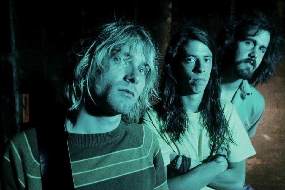 Песня «Smells Like Teen Spirit» группы Nirvana преодолела планку в миллиард просмотров на YouTube