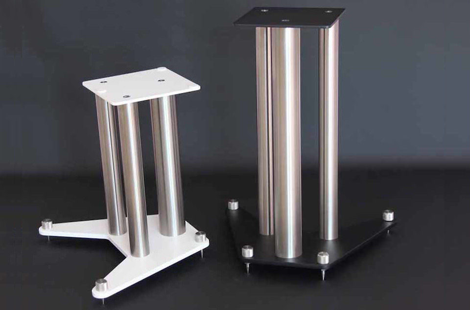Немецкие стойки для акустики LM-XTC от Liedtke-Metalldesign: устойчивая засыпная конструкция и универсальный дизайн