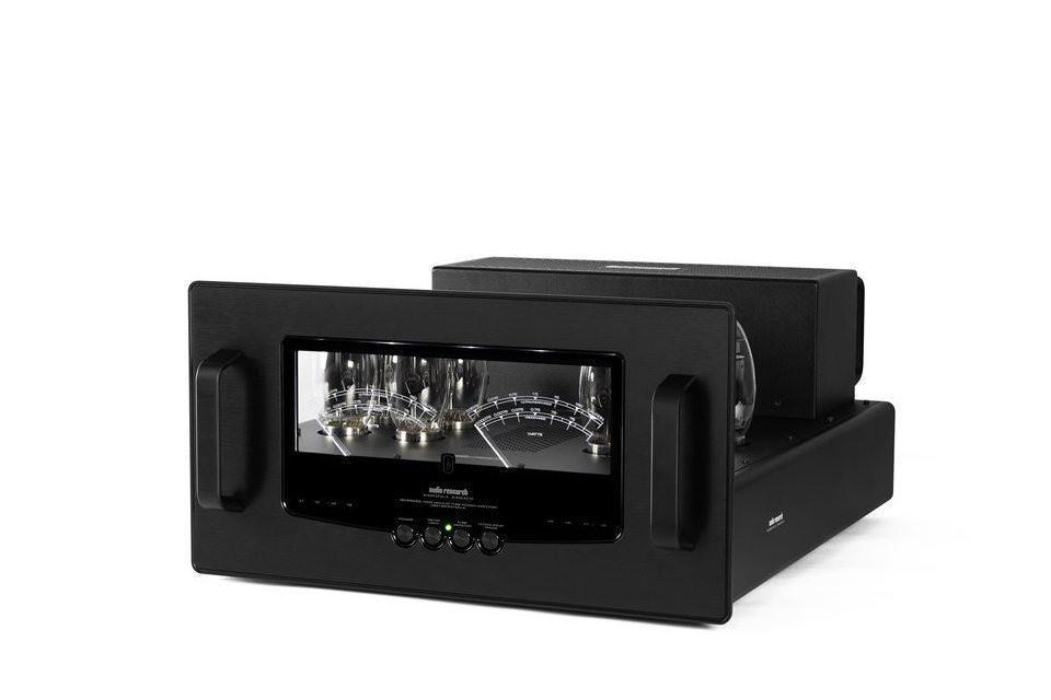 Ламповый стереоусилитель Audio Research Reference 160S: мощность в 140 Вт, контроль состояния ламп и стрелочные индикаторы