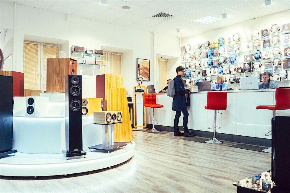 «Аудиомания» устроила традиционную летнюю распродажу