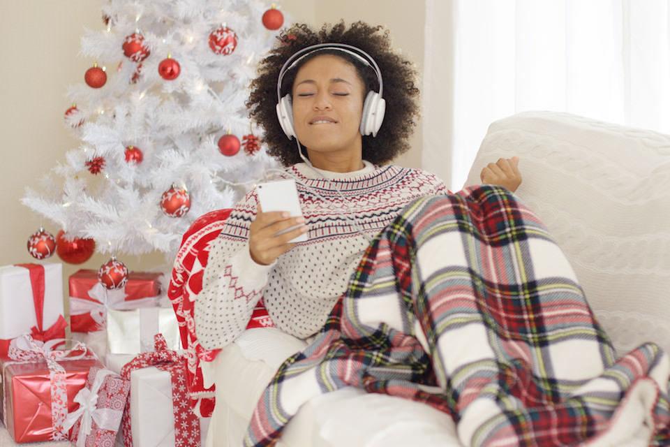 Статистика: американские миллениалы слушают музыку больше других возрастных групп