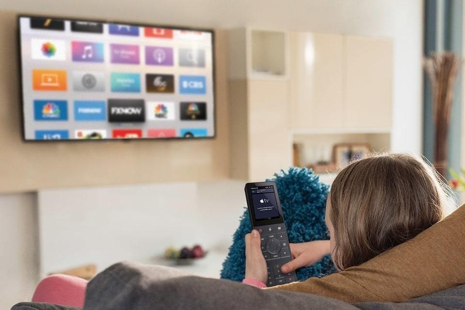 Crestron интегрировала пульт TSR-310 с Apple TV, Siri и HomeKit