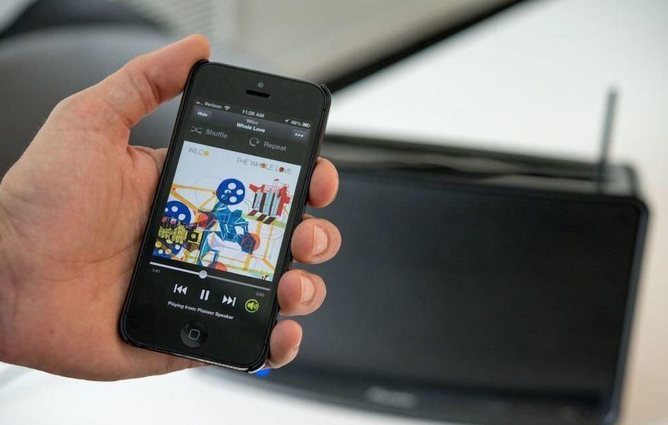 Spotify начала тестирование функции автоматического подключения к колонкам Nearby Device