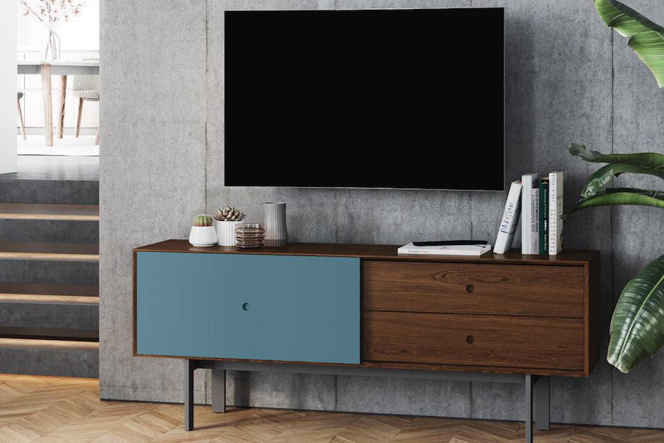 BDI выпустила ТВ-стойку Margo 5229 для телевизора с диагональю до 82 дюймов