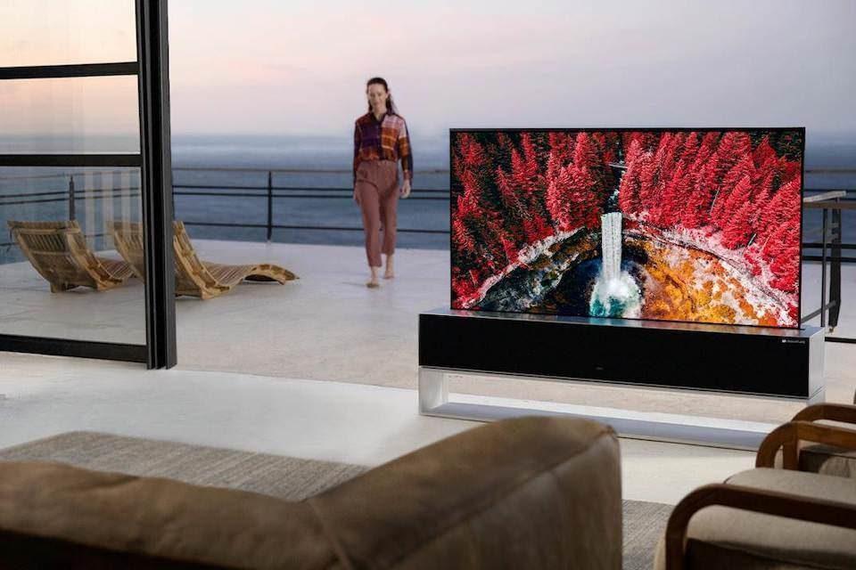 Раздвижной телевизор LG OLED R наконец-то поступил в продажу за 87 000 долларов