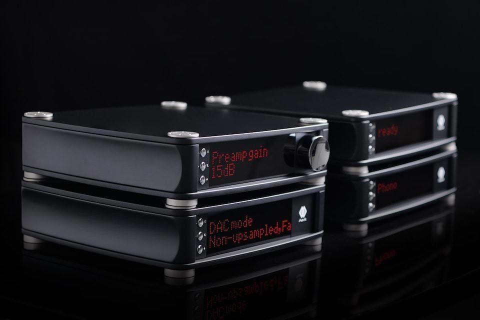 Aavik Audio представила линейки 180, 280 и 580 с усилителями, ЦАПами, стримерами и фонокорректорами