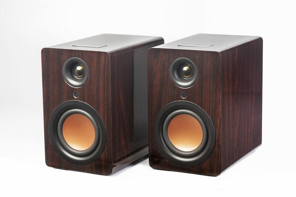Mitchell Acoustics предложила беспроводную Bluetooth-акустику Mitch в корпусах из массива ореха