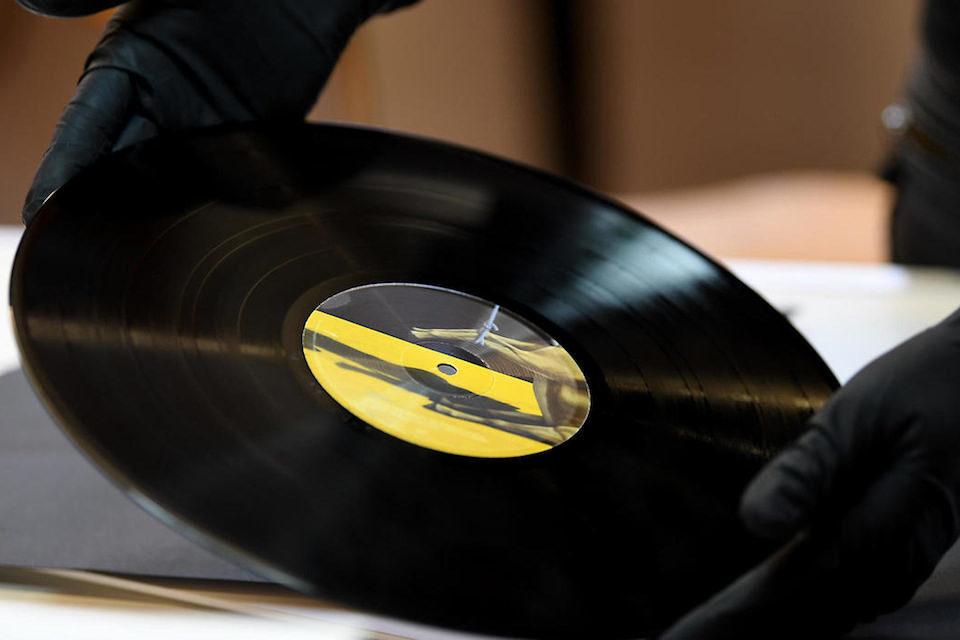 Сервис Discogs выяснил: заказывать посылки из Китая не опасно