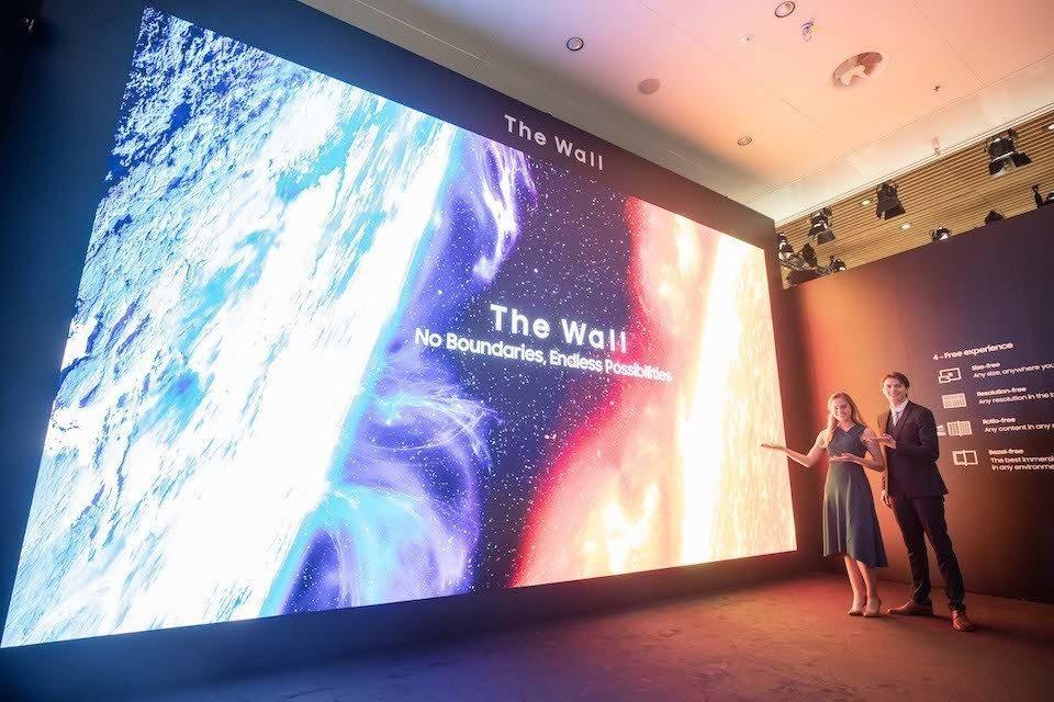 Samsung показала 583-дюймовую Micro LED-панель и линейку 8К QLED-мониторов для бизнеса