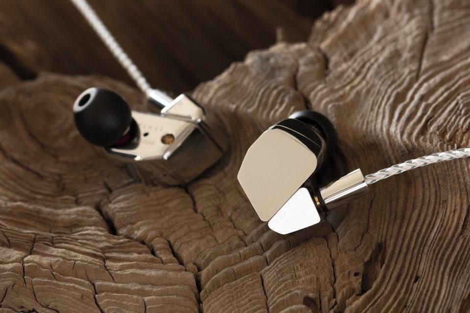 Final Audio представила флагманские внутриканальные мониторы A8000 с одним-единственным динамиком