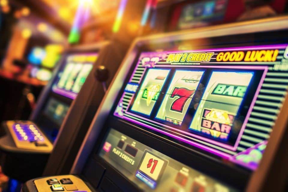 Игровые автоматы навязывают игрокам свою привлекательность с помощью звуков