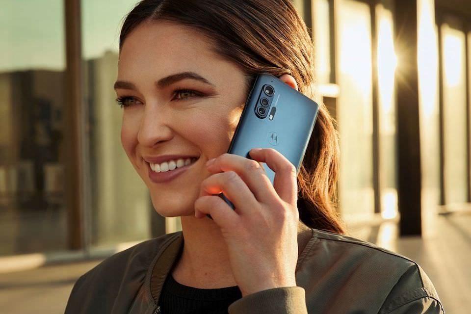 Технологию Waves MaxxAudio Mobile задействуют в смартфонах Motorola Edge и Edge+