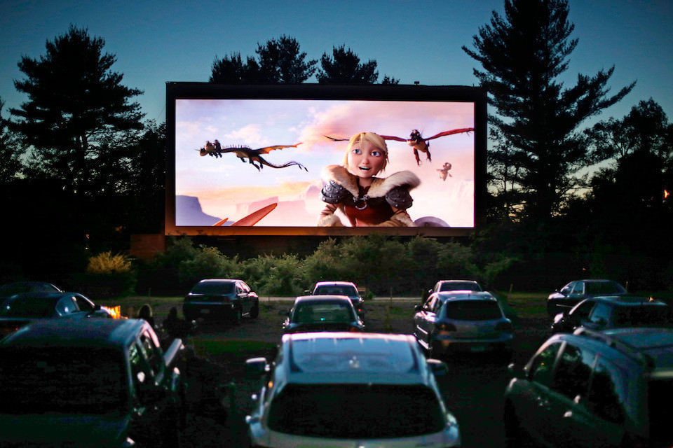 Tribeca вместе с IMAX и AT&T запустит серию кинопоказов в автокинотеатрах