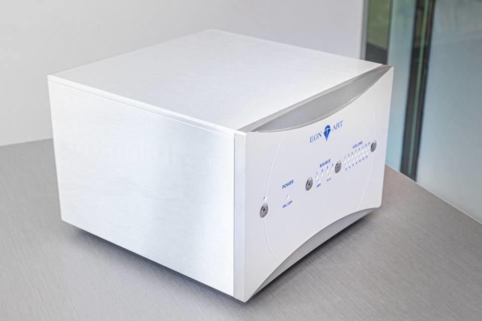 Интегральный гибридный монофонический усилитель Eon Art Boson: модульная система в классе A+D с общим управлением