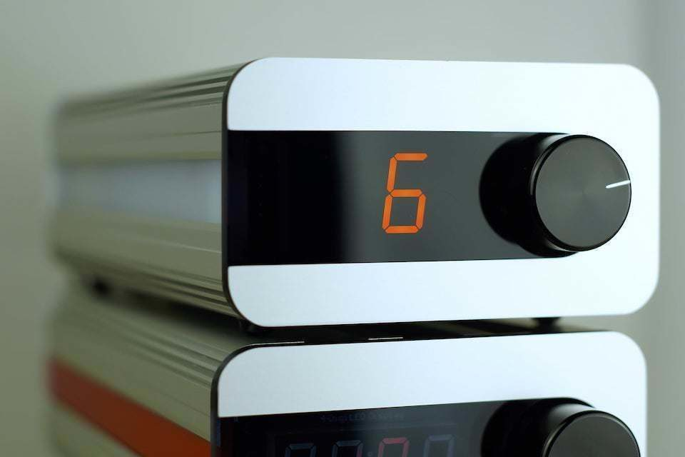 Пассивный предусилитель Life-Changer Audio icOn4 оснастили автотрансформаторной регулировкой громкости