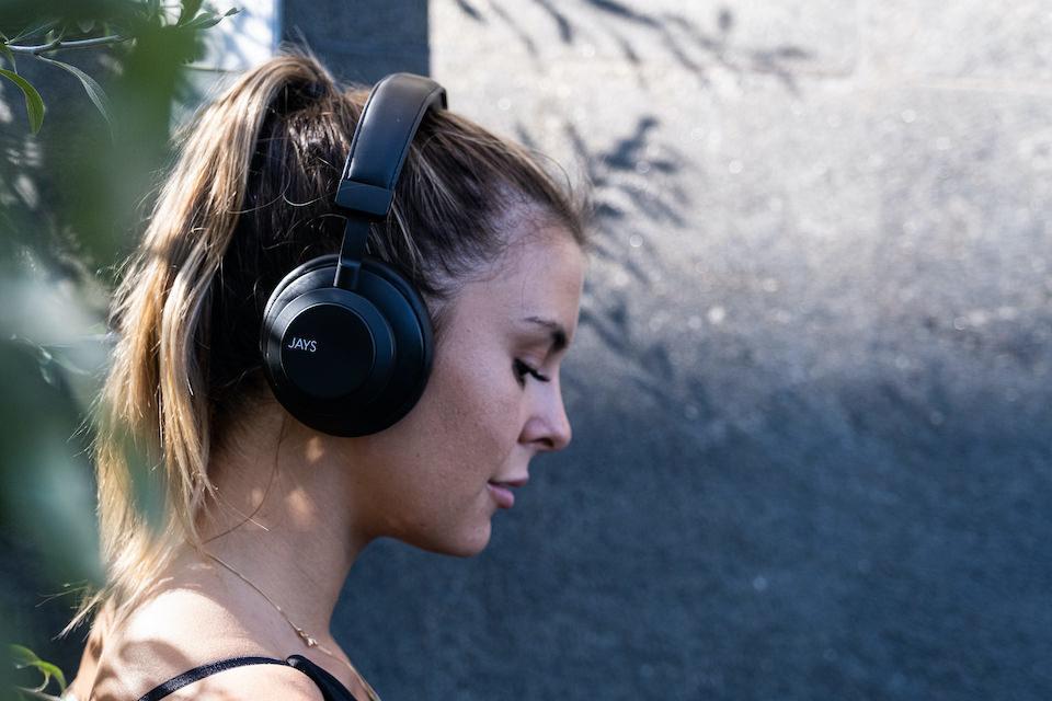 Jays выпустит на российский рынок Bluetooth-колонку s-Go One, наушники q-Seven и m-Five Truе Wireless
