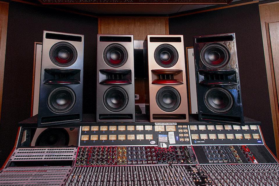 Symphonic Acoustics 2X8V: «ультрахайэндные студийные мониторы»