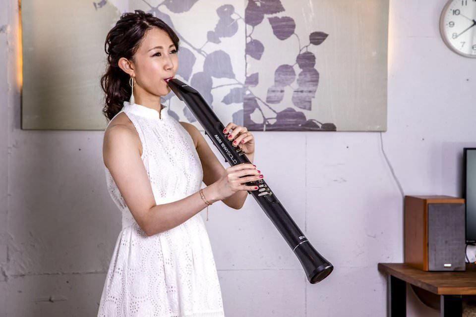 Akai EWI Solo: духовой инструмент со встроенным динамиком и батареей на 12 часов