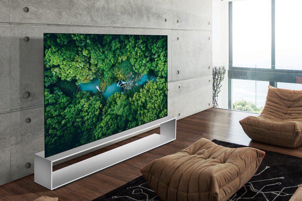 Флагманский 88-дюймовый OLED-телевизор LG OLED88ZX9 поступил в продажу по цене в 2,5 млн рублей
