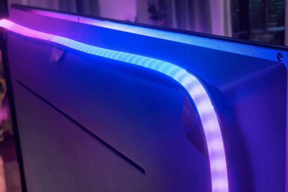 Градиентная светодиодная лента Philips Hue Play превратит любой телевизор в модель с Ambilight